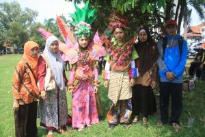 peserta batik carnival batang